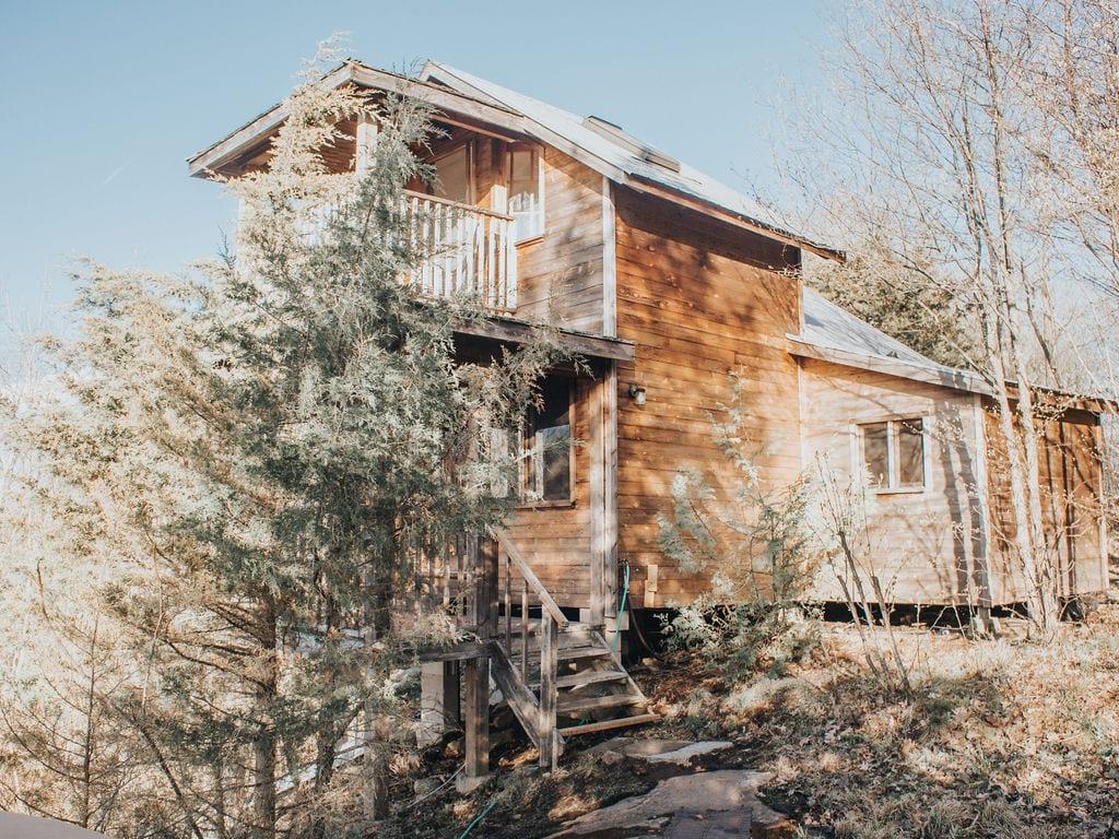 Bob's Lake Cottages & Escapes - A unique lakefront venue for family